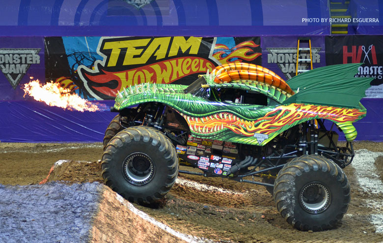 rc trucks philippines with Monster Jam Will Return Manila Action 11676 on 9b68e62336 further Truck Of The Week 1132012 Axial Scx10 also f1rccars moreover Detail also 3607.