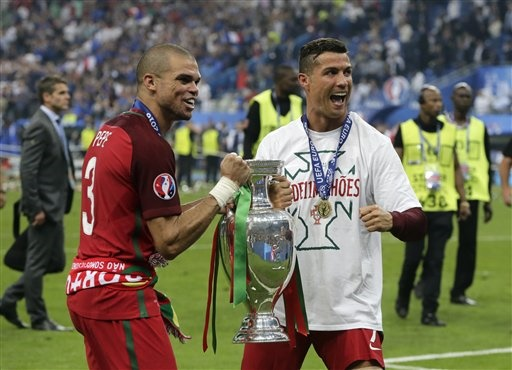 Hardman Pepe sheds tears of joy at Euro 2016 final