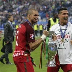 Hardman Pepe sheds tears of joy at Euro 2016 final