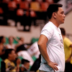 Cignal coach wants more from the defending champs