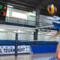 Gumabao and Gohing discover new way of playing volleyball