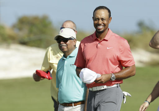 Tiger Woods Storms Out of Gate in Return to Competition