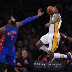 Harris hits big 3, Pistons snap skid with win over Lakers
