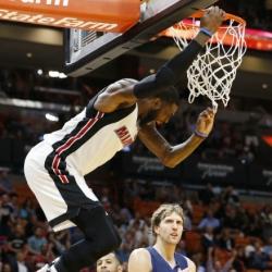 Heat win back-to-back games, hold off Mavericks