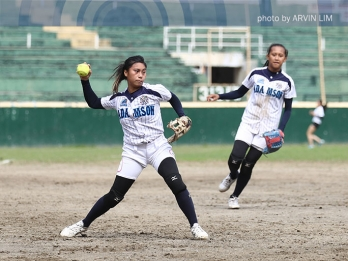 Lady Falcons softbelles, Blue Eagles batters stay perfect