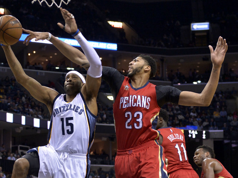 Pelicans star Anthony Davis stays committed to New Orleans