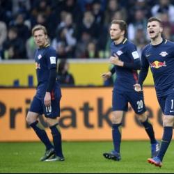 Leipzig beats 'Gladbach 2-1, cuts Bayern's Bundesliga lead