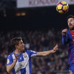 Barca under pressure from fans after mediocre performances