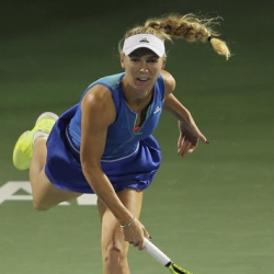 Wozniacki wins Dubai opener after Doha final
