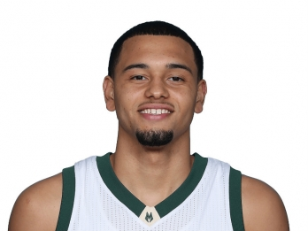 Lakers acquire Tyler Ennis in trade with Rockets