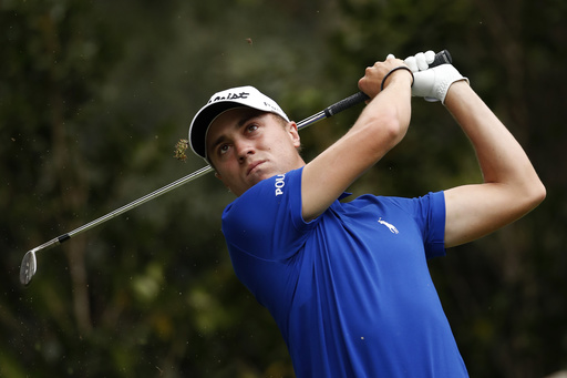 Justin Thomas makes an ace and takes lead in Mexico