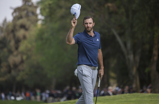 Johnson wins in Mexico in debut as No. 1 player in the world