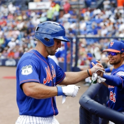 Tim Tebow gets 1st hit for Mets, singles vs Marlins
