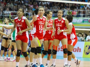 Cignal punches a semis ticket