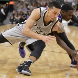 Spurs end two-game skid, beat Kings 118-102