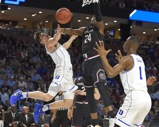 NCAA Tournament picks up steam just before Sweet 16