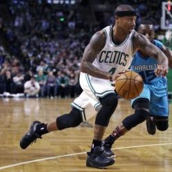 Isaiah Thomas returns to Celtics lineup after knee injury