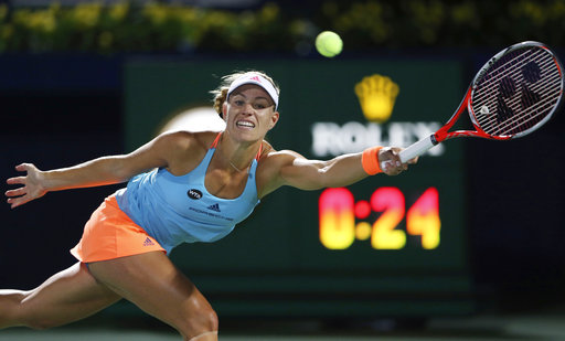Angelique Kerber retakes No. 1 ranking from Serena Williams