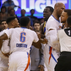 Warriors' Stephen Curry involved in skirmish with Thunder