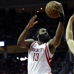 Harden hits layup with 2.4 seconds left to lift Rockets