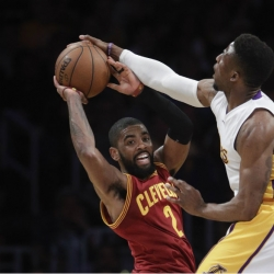 Lakers sign David Nwaba to multi-year contract