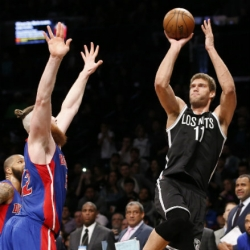 Lopez's jumper at buzzer gives Nets 98-96 win over Pistons