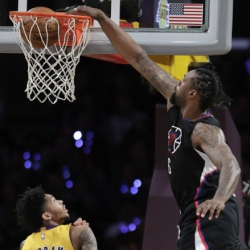 Clippers catch fire from three, cruise to win over Lakers