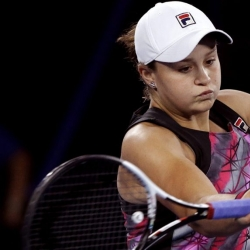 Barty beats Bouchard in 3 sets in 1st round at Key Biscayne