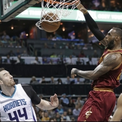 LeBron, Cavs bounce back with victory vs Hornets