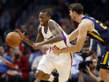 Clippers clinch playoff berth with 108-95 victory over Jazz
