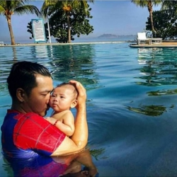 Daddy Mac Cuan finally gets to be with first baby