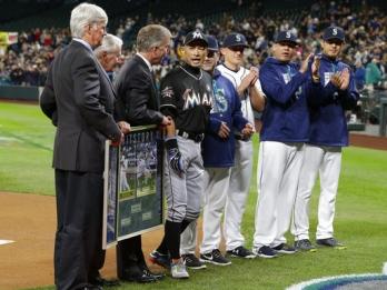 Suzuki returns to Seattle as member of 3,000-hit club