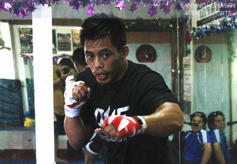 Pinoy Honorio Banario scores second round knockout