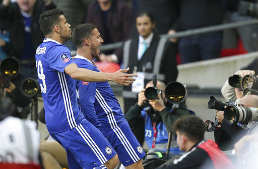 Eden Hazard gives Chelsea early advantage over Southampton with emphatic finish