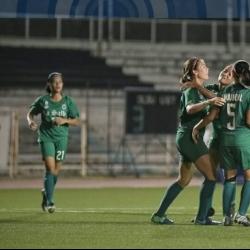 La Salle stays unbeaten, Ateneo keeps finals hopes alive