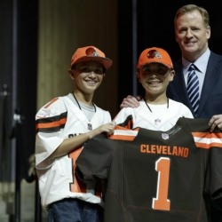 No surprise, Browns take Garrett with top pick