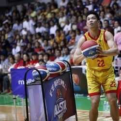 Maliksi is new 3-point king after Manila Clasico finish