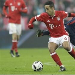 Thiago Alcantara extends contract at Bayern Munich to 2021