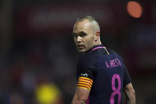 Madrid, Barcelona stay neck and neck after big La Liga wins