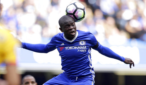 Chelsea star N'Golo Kante wins football writers' prize