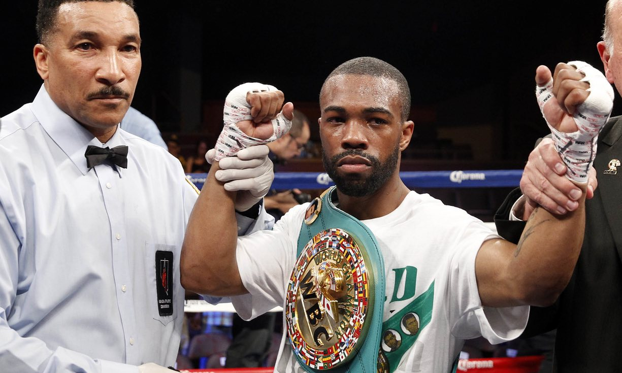 Russell set for family affair in 2nd featherweight defense