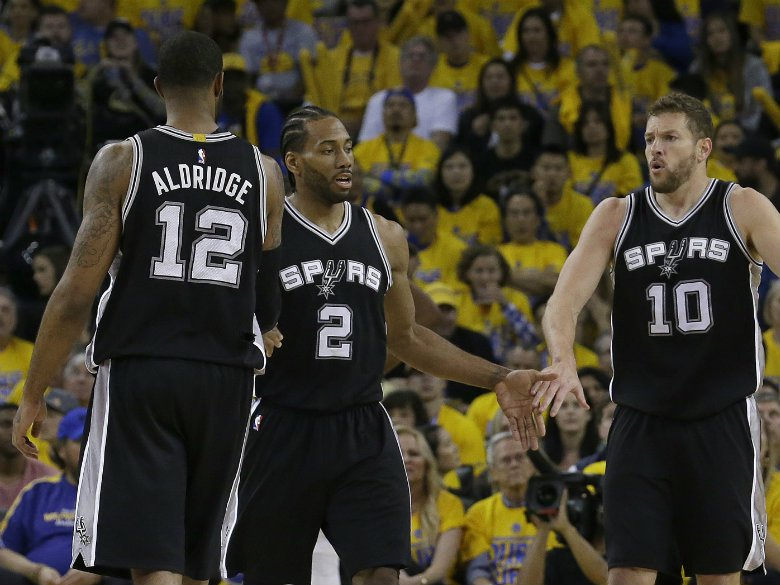 Warriors put Spurs on brink of elimination