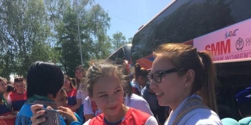 Pinay spikers arrive in Kazakhstan for Asian Club tilt