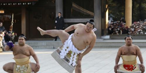 Japanese yokozuna withdraws from summer sumo tournament