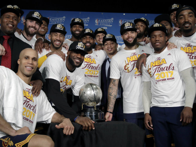 Lue: Cavs' Irving feeling 'good' after Game 4 ankle injury