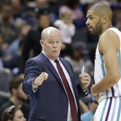 Hornets' Clifford: Howard can return to All-Star level