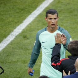 Ronaldo heads Portugal to 1-0 win over Russia at Confed Cup