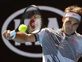Federer beats Alexander Zverev 6-1, 6-3 for 9th Halle title