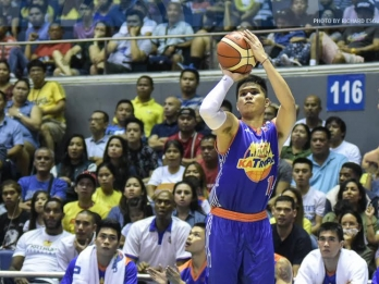 Misfiring RR Pogoy gets PBA Finals advice from Arwind Santos