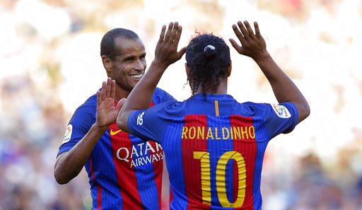 Ronaldinho, Giggs in Pakistan for soccer exhibition matches